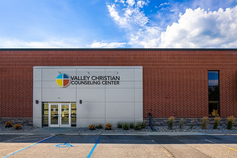 Front entrance at Valley Christian Counseling Center
